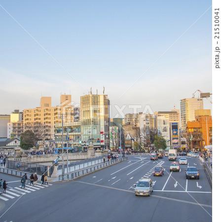 表参道の入り口にあたる神宮橋交差点(東京都渋谷区) 21510041