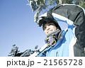 スキーをする20代男性 21565728