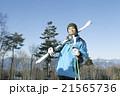 スキーをする20代男性 21565736