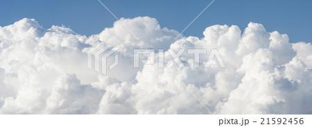 雲の上のようなパノラマ背景 21592456