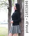 ストレートロングヘアの若い女性 21653846