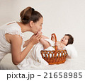 ベビー 赤ちゃん 赤ん坊の写真 21658985