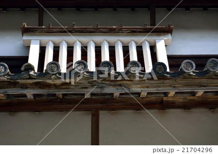 福岡城 伝潮見櫓の瓦の家紋と格子窓 21704296