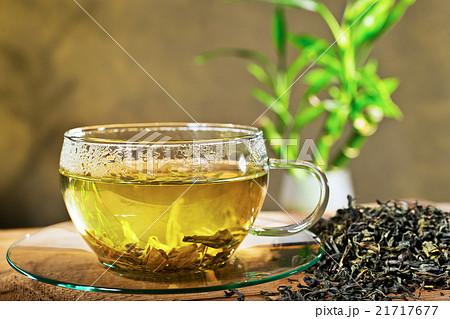 tea cup and loose tea 21717677