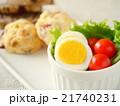 ゆで卵とトマトのサラダ スーコンランチプレート(横位置) 21740231