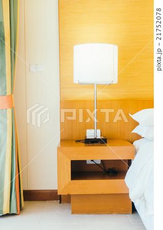Pillow on bedの写真素材 [21752078] - PIXTA