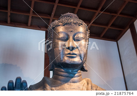 日本最古の仏像・飛鳥寺・写真OK(奈良県の風景) 21875764