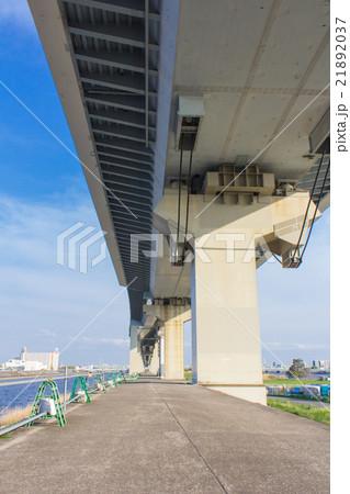 首都高速中央環状線の高架下 21892037