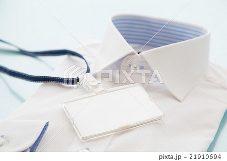 新しいシャツと社員証 ビジネスイメージ 21910694