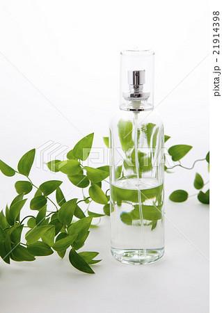 スマイラックスと化粧瓶グリーンバックの写真素材 [21914398] - PIXTA
