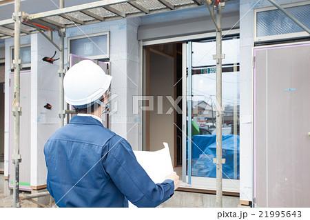 建設現場の男性 21995643