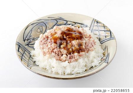 コンビーフハッシュライス甘辛醤油ダレ 22058655
