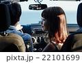 ハワイでドライブするカップル 22101699