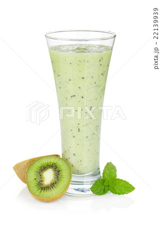 Kiwi milk smoothie with mintの写真素材 [22139939] - PIXTA