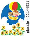 夏 気球で空の旅を楽しむワンちゃんと女性 22144531