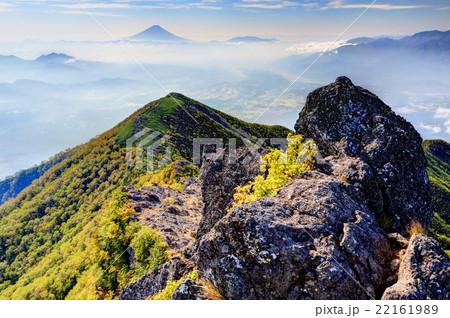 八ヶ岳連峰・権現岳から見る富士山 22161989