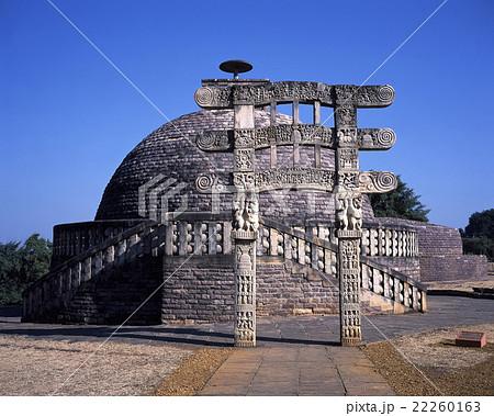 サーンチーのストゥーパ第3塔と塔門 22260163