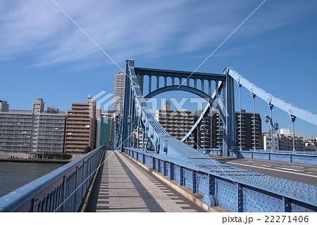 隅田川に架かる青い橋 22271406