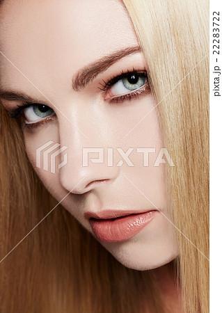 外人女性モデルの顔 ナチュラルメイク 22283722