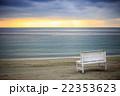 ビーチ 砂浜 夕暮れの写真 22353623