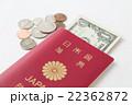 パスポートとドルとセント 白バック 22362872