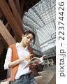 旅を楽しむ女性 22374426