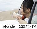 旅を楽しむ女性 22374456