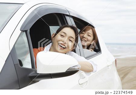 旅を楽しむ女性 22374549