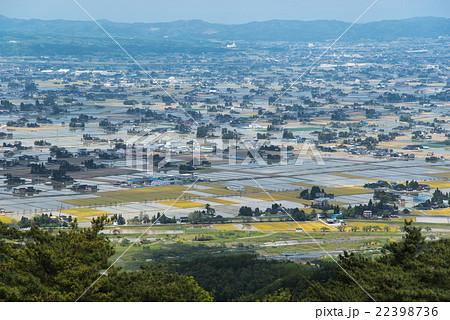 富山県 砺波市の散居村 22398736