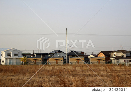 同じ形の家が並ぶ風景 22426014