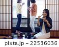 金沢を旅行する女性たち 22536036
