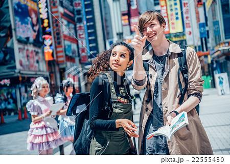 秋葉原を観光する外国人 22555430