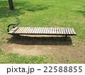 公園のベンチ 22588855