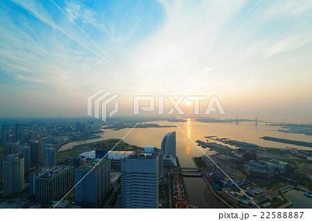横浜みなとみらいの日の出と周囲の景観 22588887