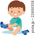 靴下を履く子供 22600358