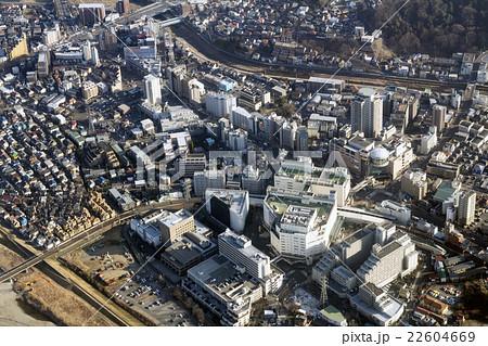 東京都多摩市の京王線聖蹟桜ヶ丘駅付近を空撮 22604669