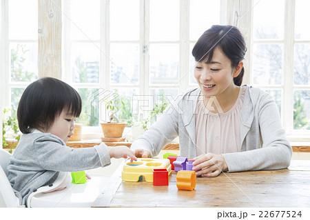 お母さんと子供 22677524