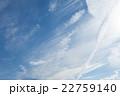 初夏の青空と雲 22759140