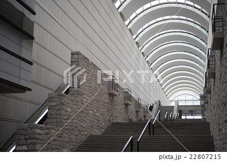 アーチ構造の建物 22807215