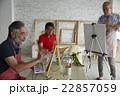 趣味を楽しむシニア 絵画 22857059