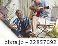 趣味を楽しむシニア 22857092