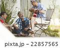 趣味を楽しむシニア 22857565