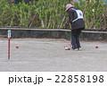 ゲートボールを楽しむ老人 22858198