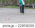 ゲートボールを楽しむ老人 22858200