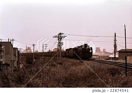 昭和43年東京の下町深川を行くD51 小名木川貨物線  22874541