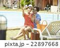カップル リゾート バカンスの写真 22897668