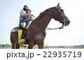 親子 乗馬 22935719