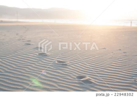 砂浜の足跡 22948302