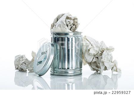ゴミ箱 白背景 22959327