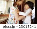 人物 ポートレート 家族の写真 23015241